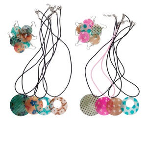 Necklace and earring mix, shell and rubber cord, multicolored, 17-1/2 inches with nickel-finished lobster claw clasp and 1-1/2 inch extender chain. Sold per pkg of 4 sets. Minimum 2 per order.