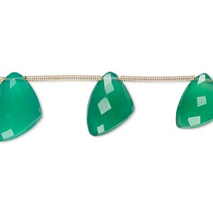 bead, green onyx (dyed), 12x9x9mm-15x12x12mm graduated hand-cut top-drilled faceted irregular triangle, b+ grade, mohs hardness 6-1/2 to 7. sold per pkg of 6 beads.