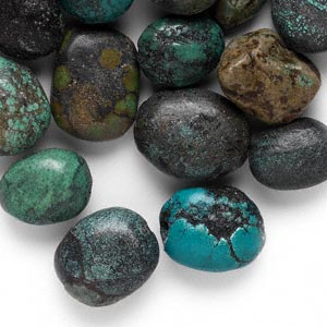 bead mix, turquoise (dyed / stabilized), small to extra-large oval nugget, mohs hardness 5 to 6. sold per 1/2 pound pkg, approximately 10-30 beads.
