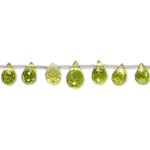bead, peridot (natural), 5x3mm-8x5mm graduated hand-cut top-drilled faceted briolette, b grade, mohs hardness 6-1/2 to 7. sold per 4-inch strand, approximately 15 beads.
