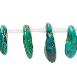 bead, turquoise (dyed / stabilized), green / blue / blue-green, extra-large top-drilled chip, mohs hardness 5 to 6. sold per pkg of 28 beads.