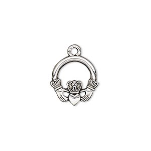 charm, antique silver-plated pewter (tin-based alloy), 15x14mm single-sided claddagh. sold per pkg of 2.