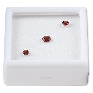 gem, garnet (natural), two 4mm and one 6mm faceted round, a grade, mohs hardness 7 to 7-1/2. sold per pkg of 3.