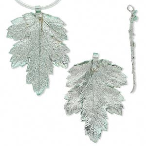 pendant, silver-plated tin and natural leaf, green, 21x17mm-47x37mm chrysanthemum. sold per pkg of 2.
