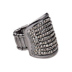 ring, stretch, glass rhinestone / gunmetal-coated plastic / gunmetal-plated pewter (zinc-based alloy), metallic black, 26.5mm wide with rectangle, size 7-8. sold individually.