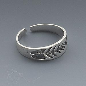 toe ring, antiqued sterling silver, 4mm wide with fish skeleton design, adjustable. sold individually.